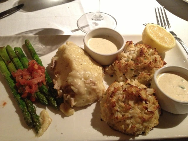 ... and finally the Crabcakes!  With Mashed Potatoes and Asparagus