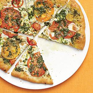 mozzarella-heirloom-tomato-basil-pizza-ck-l